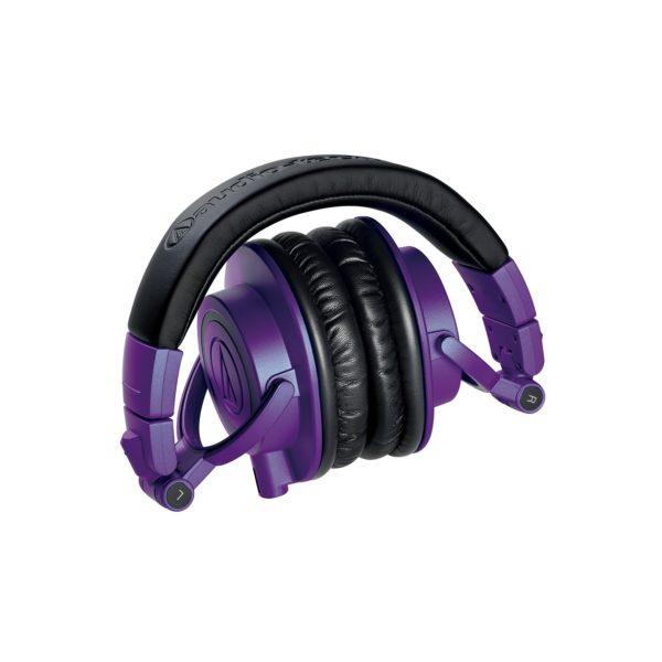 M50x Purple kuulokkeet kokoontaitettuna.