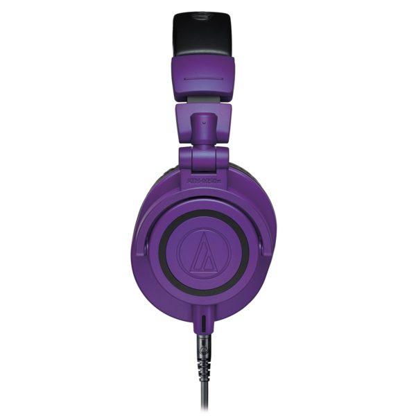 M50xPB Purple studiokuulokkeet sivusta.