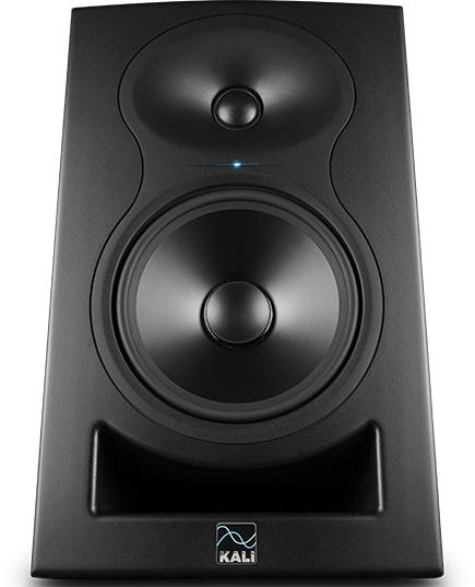 Kali Audio LP-6 studiomonitori.