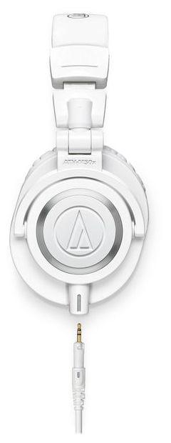 Audio-Technica M50x studiokuulokkeet kuvattuna sivusta kaapeli irroitettuna.