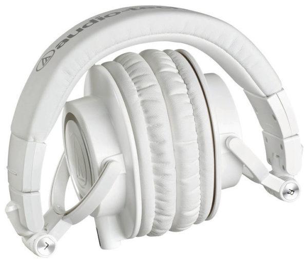 Audio-Technica M50x studiokuulokkeet kokoontaitettuna.