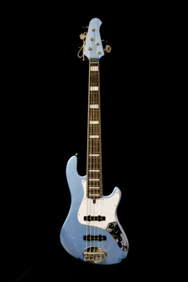 Lakland Daryll Jones basso Lake Placid Blue.
