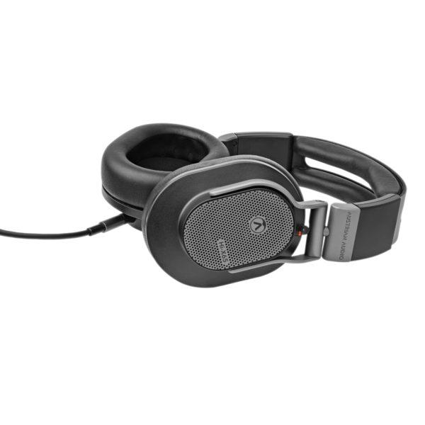 Austrian Audio Hi-X65 avoin kuuloke sivusta.