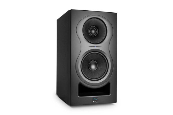 Kali Audio IN-5 lähikenttämonitori sivusta.