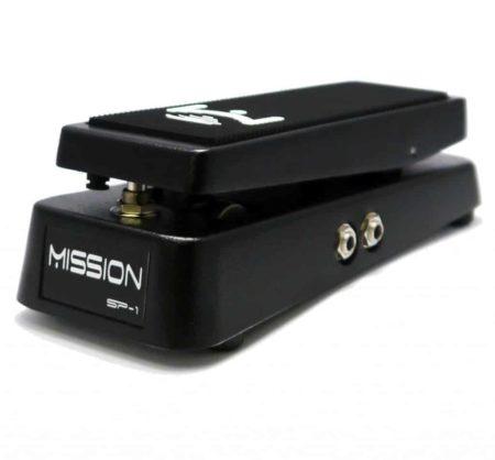 Mission Engineering SP-1 ekspressiopedaali kytkimellä.